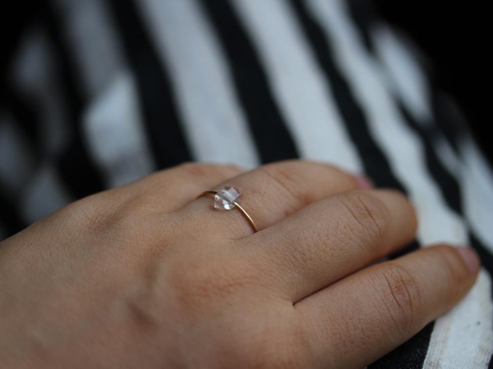 Quartz Orbit Ring : archive